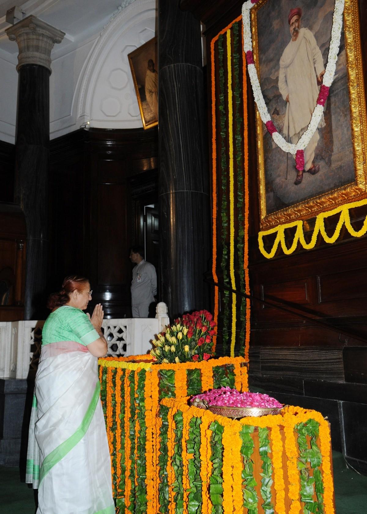Lok Sabha Speaker Sumitra Mahajan too pays tribute to Bal Gangadhar Tilak.
