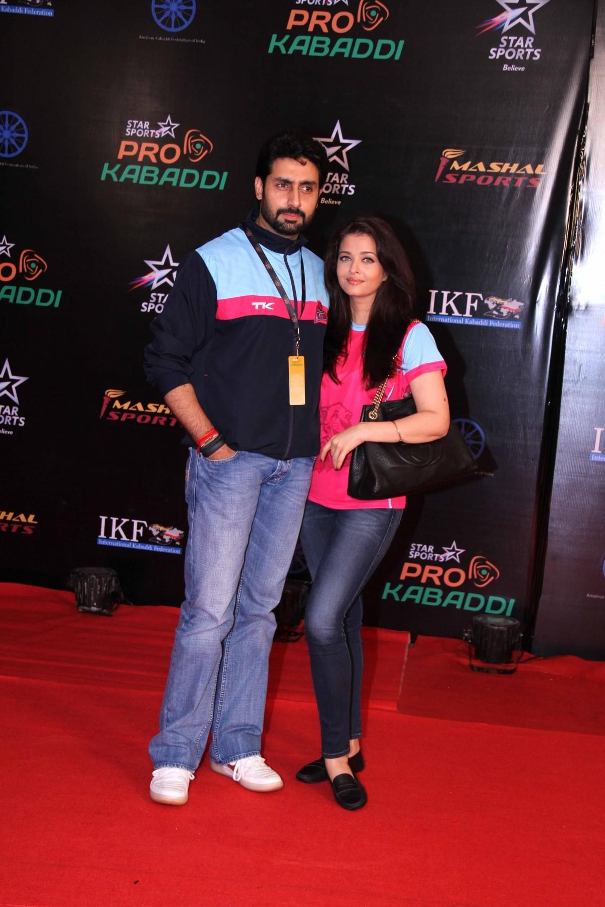Aishwarya Rai, Abhishek Bachchan