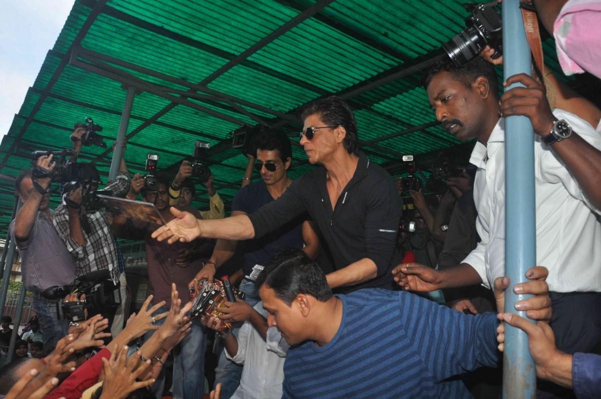Happy New Year star cast visits Gaeity Galaxy in Bandra