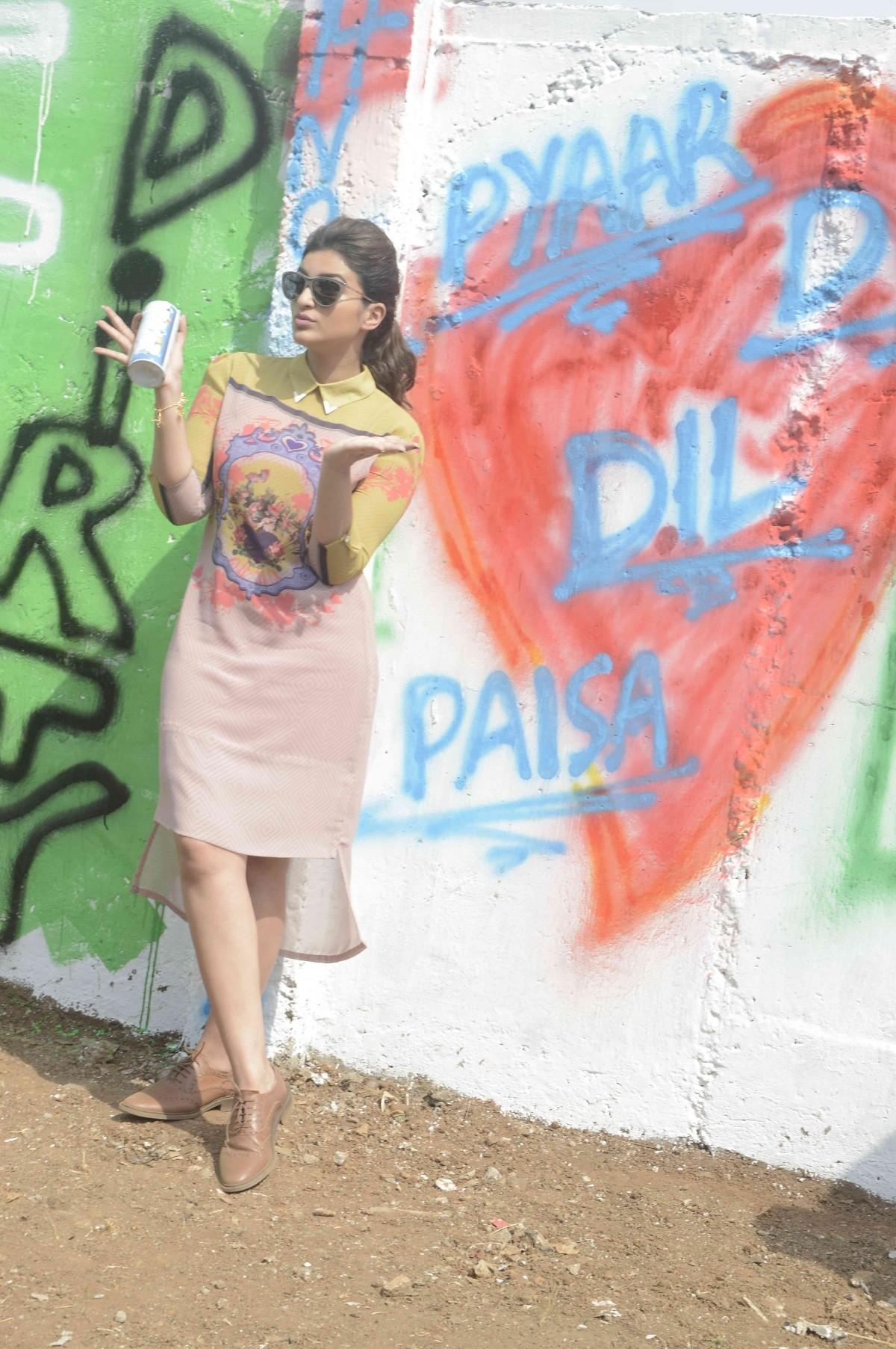Ranveer, Parineeti, Ali turn graffiti artists for promotion of 'Kill Dil'