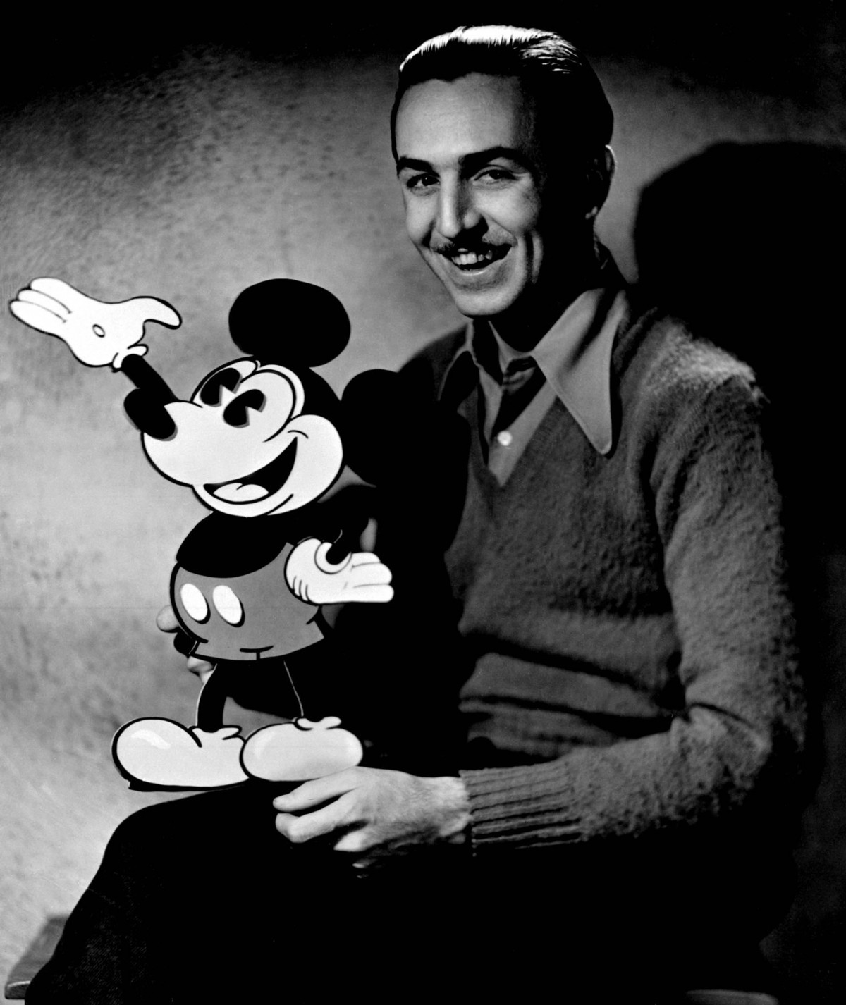 a description of the walt disney companys history from 1923 to 2001 The company was founded on october 16, 1923 – by brothers walt and roy disney – as the disney brothers cartoon studio, and also operated under the names the walt disney studio and walt disney productions before officially changing its name to walt disney company in 1986 the company grew to establish itself as a leader in the american .