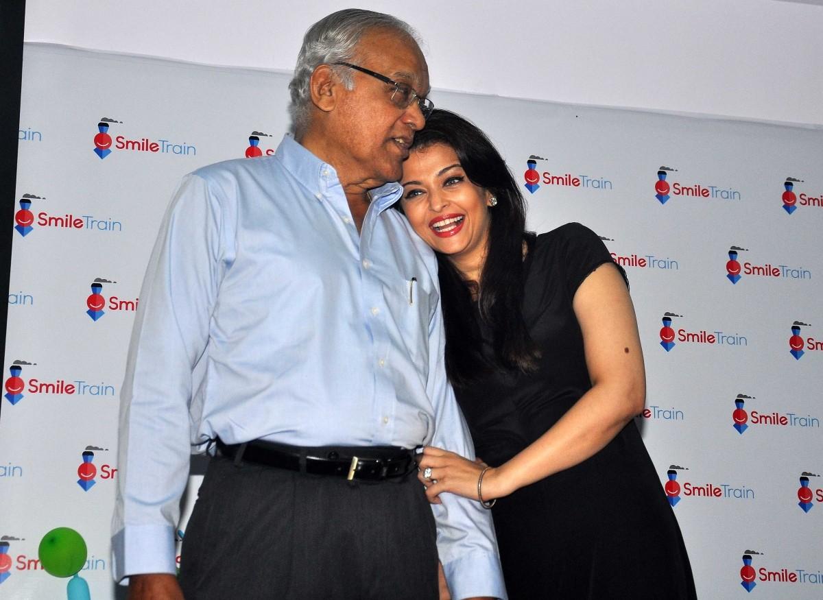 Aishwarya Rai Bachchan Celebrates Father's Birthday
