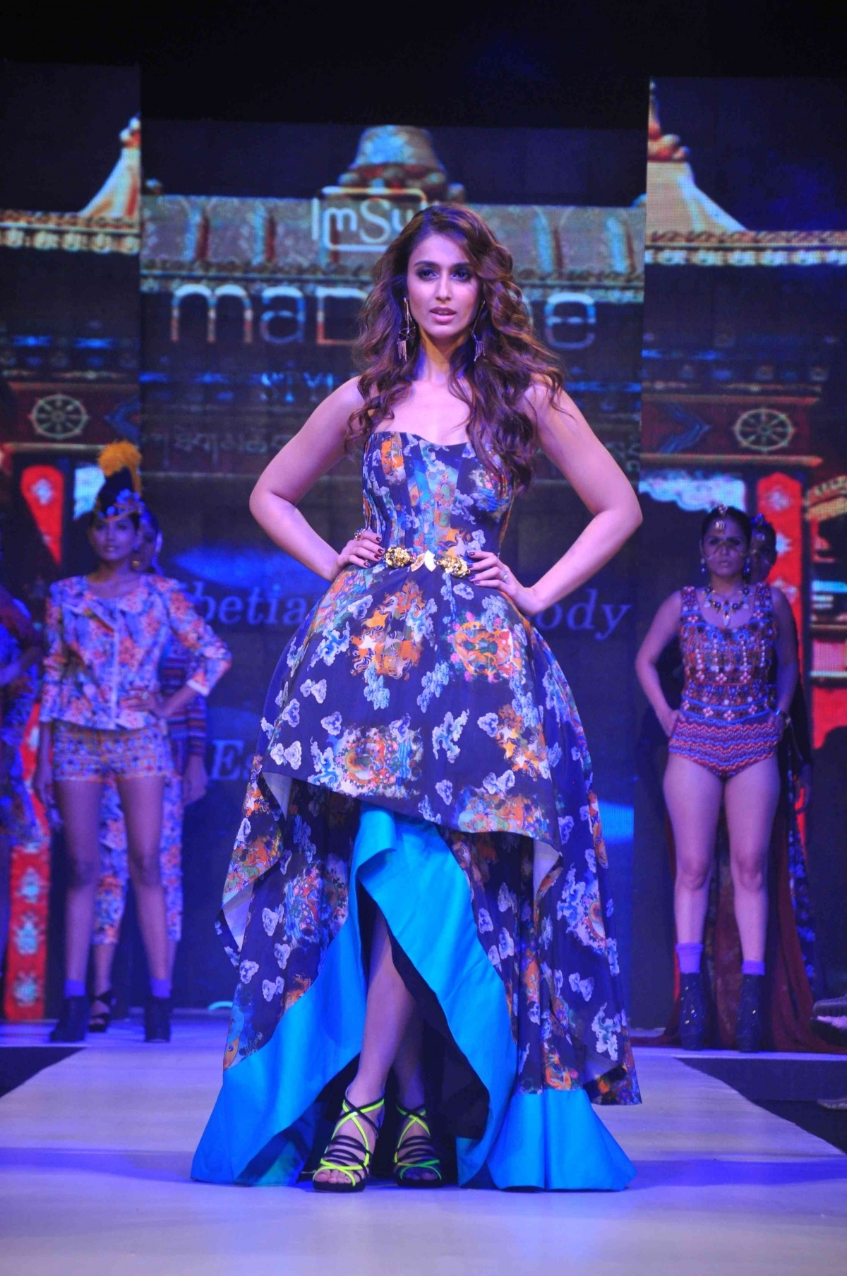 Ileana D'Cruz, Malaika Arora Khan, Esha Deol and Other Celebs walk on Ramp at Madame Style Week 2014