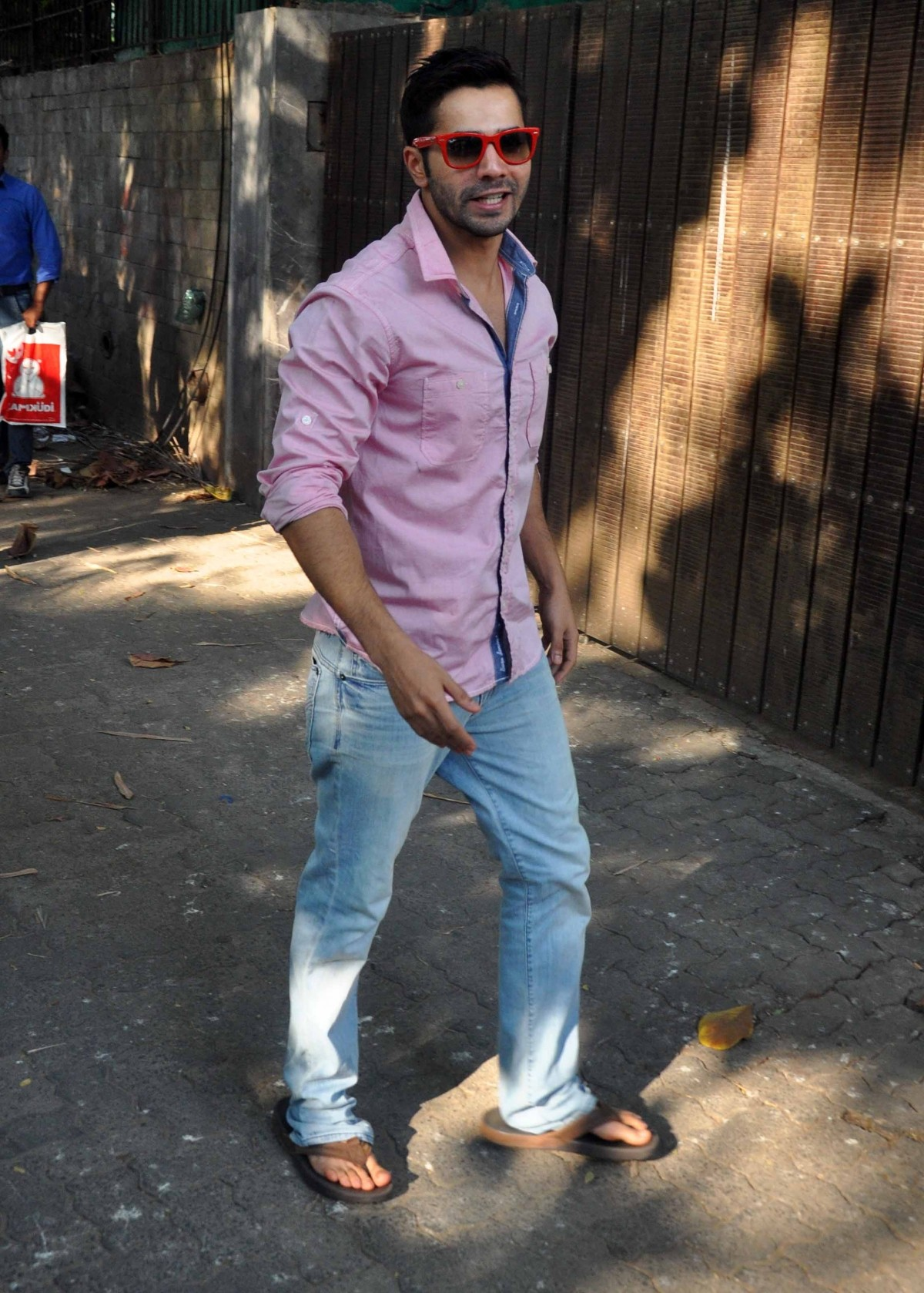 'Badlapur' stars Varun Dhawan and Huma Qureshi snapped at Sunny Super Sound Studio