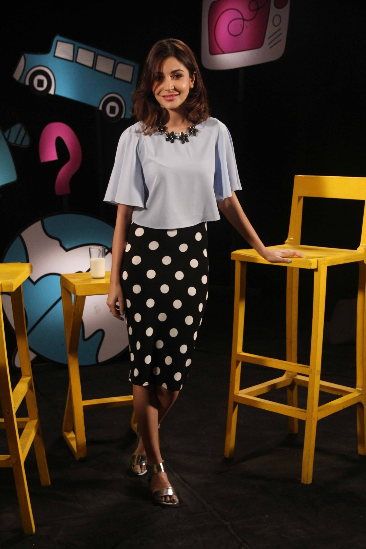 Anushka Sharma promotes 'PK' on Captain Tiao's Talk Show