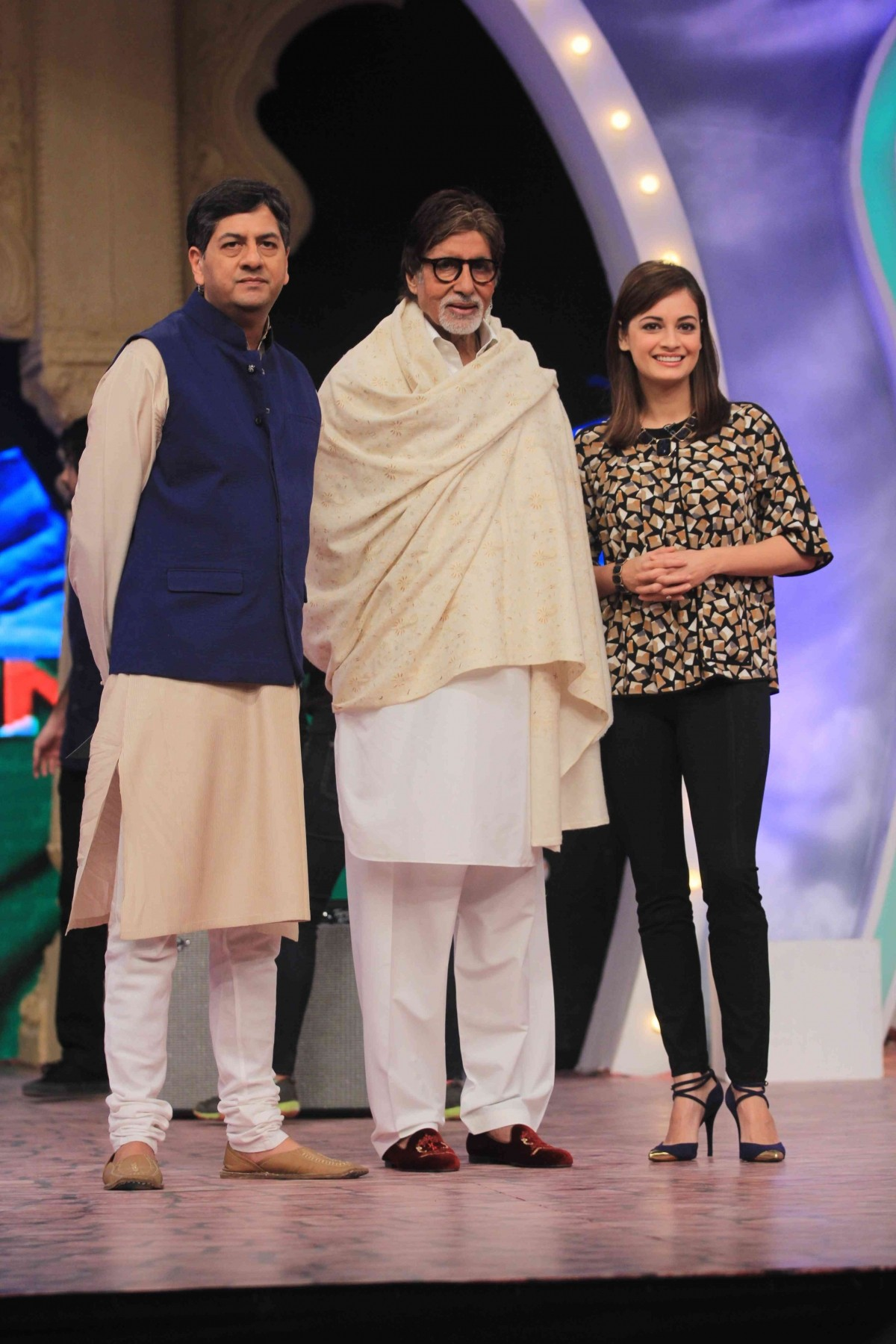 Vikram Chandra, Amitabh Bachchan and Dia Mirza attending Banega Swachh India Cleanathon event