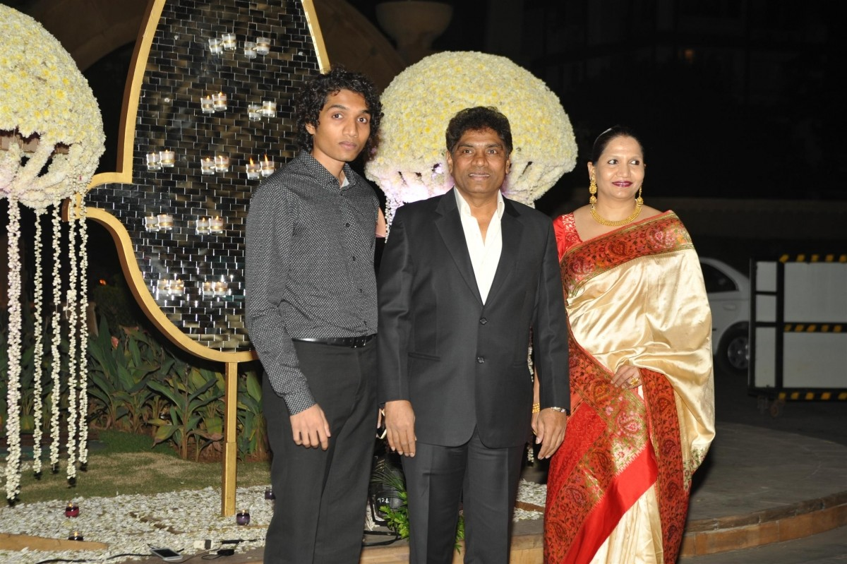 Johnny Lever and family