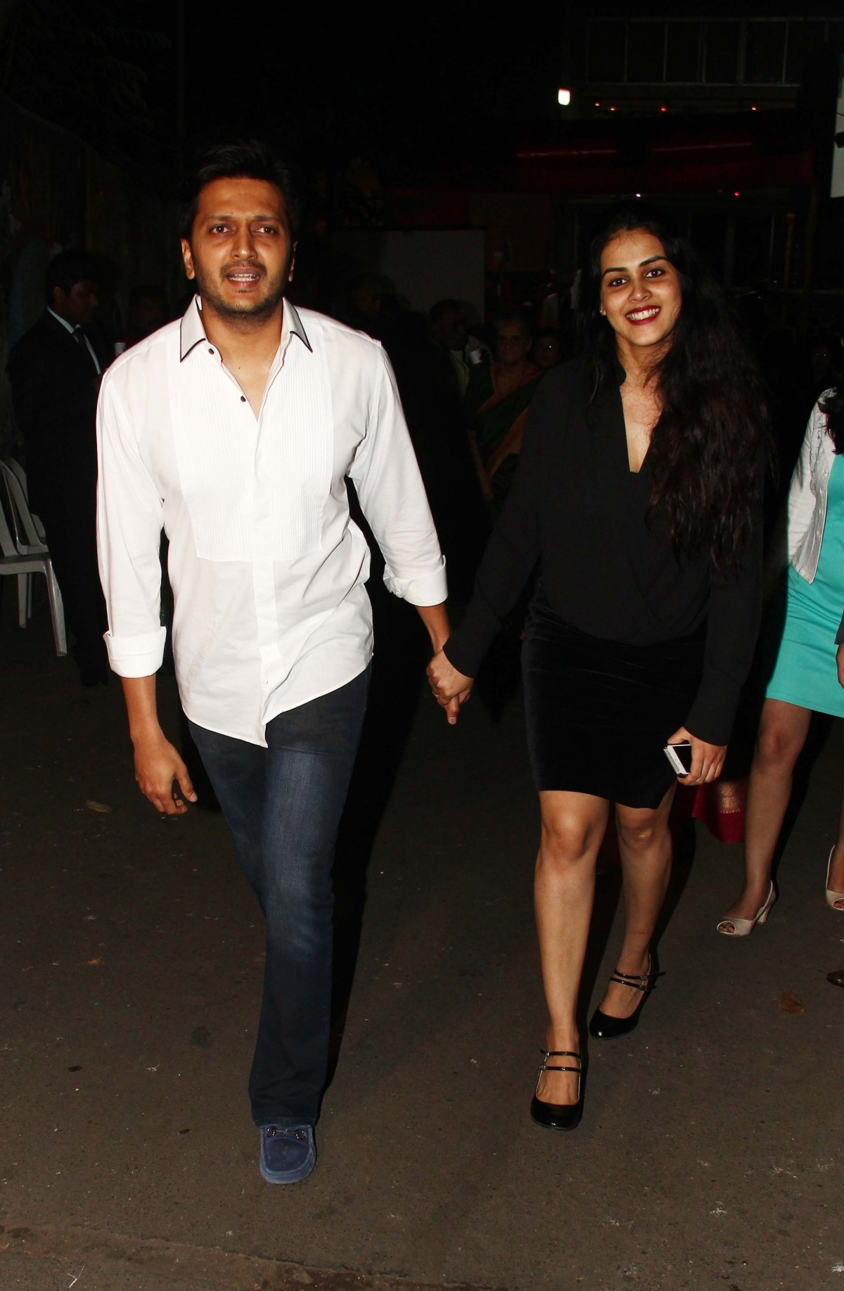 Kareena Kapoor Khan, Genelia D'Souza, Riteish Deshmukh Attends Christmas Midnight Mass