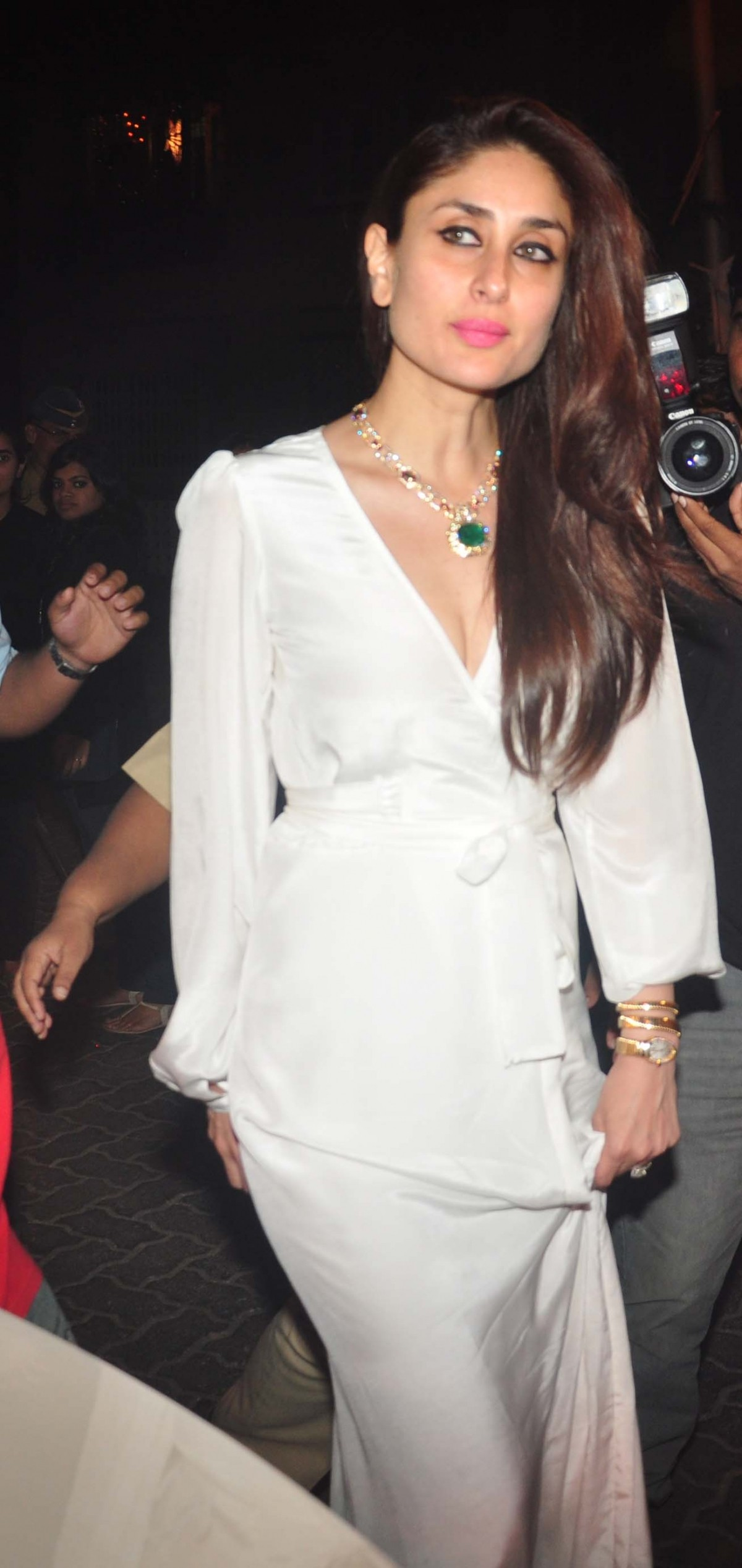 Kareena Kapoor Khan, Genelia D'Souza, Riteish Deshmukh Attends Christmas Midnight Mass