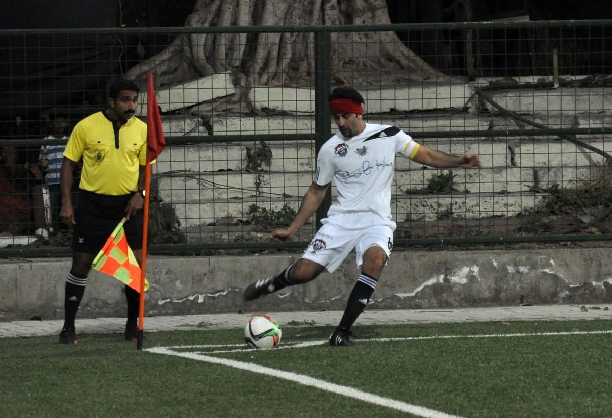 Ranbir Kapoor, Arjun Kapoor and Other Celebs Play Friendly Football Match with Mumbai Police
