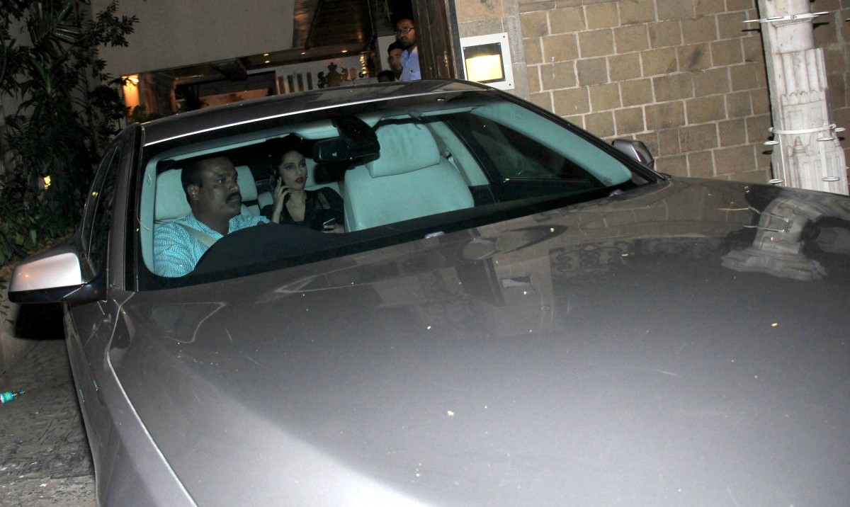 Did Aamir Khan Visit Anil Kapoor To See Her Daughter? Sonam Snapped First Time After Her Recovery [PHOTOS]