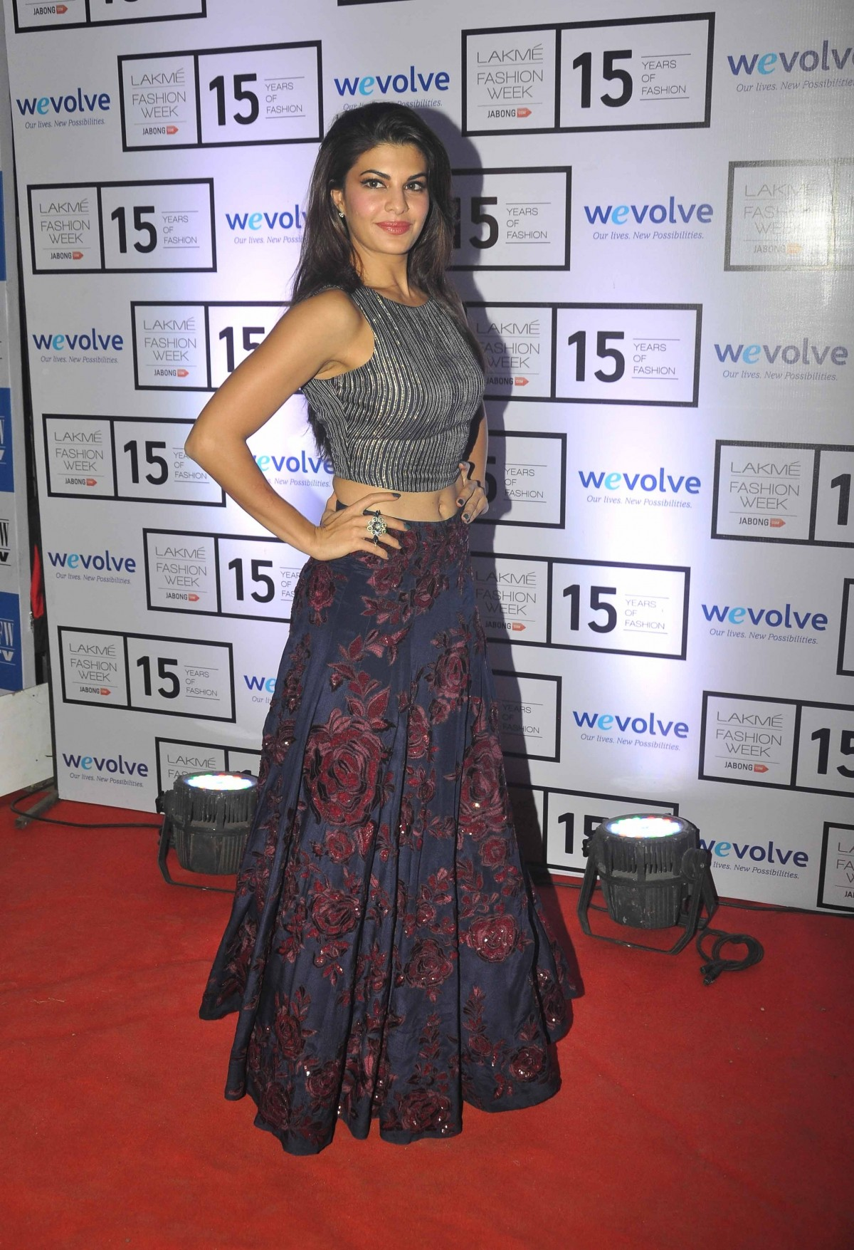 Lakme Fashion Week 2015: Jacqueline Fernandez, Deepika Padukone, Kajol Graces Manish Malhotra's Show [PHOTOS]
