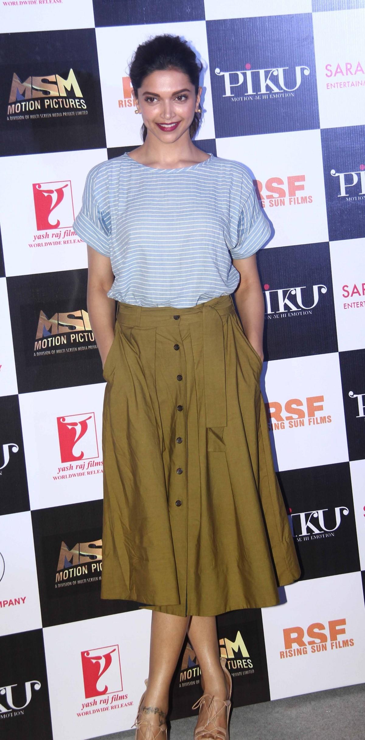 'Piku': Deepika Padukone, Amitabh Bachchan, Irrfan Khan Attend Trailer Launch