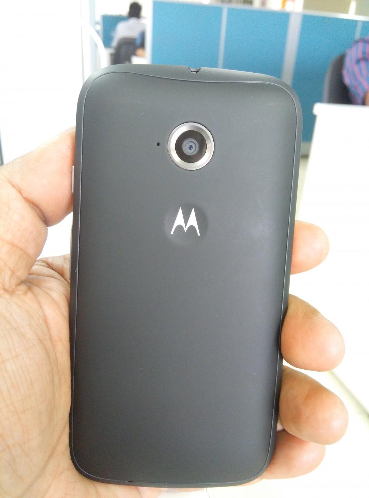 Moto E2 Back View