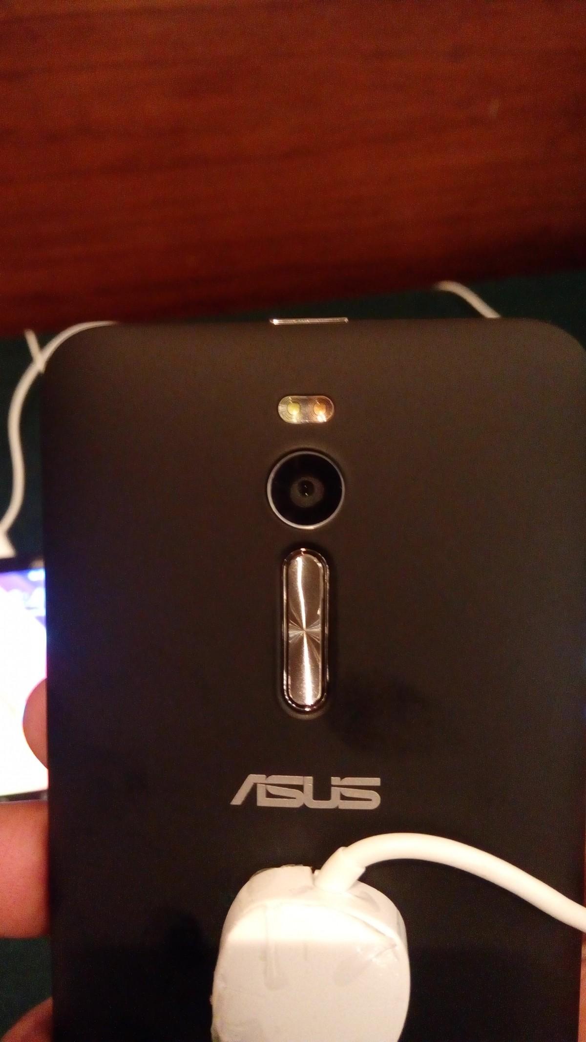Asus Zenfone 2 mid-range model