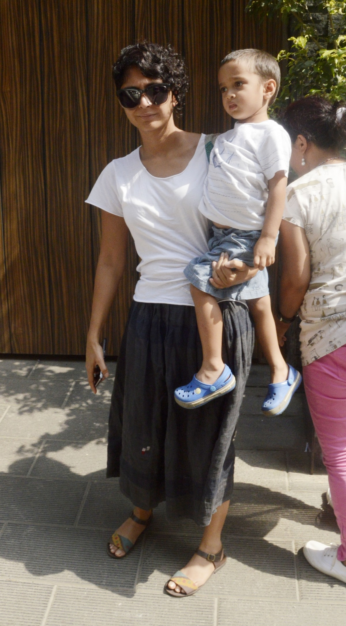 Cute Pictures of Azad Khan with Mom Kiran Rao Outside Their House