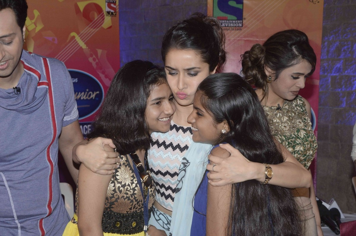 Shraddha Kapoor with Indian Idol Junior 2 contestants