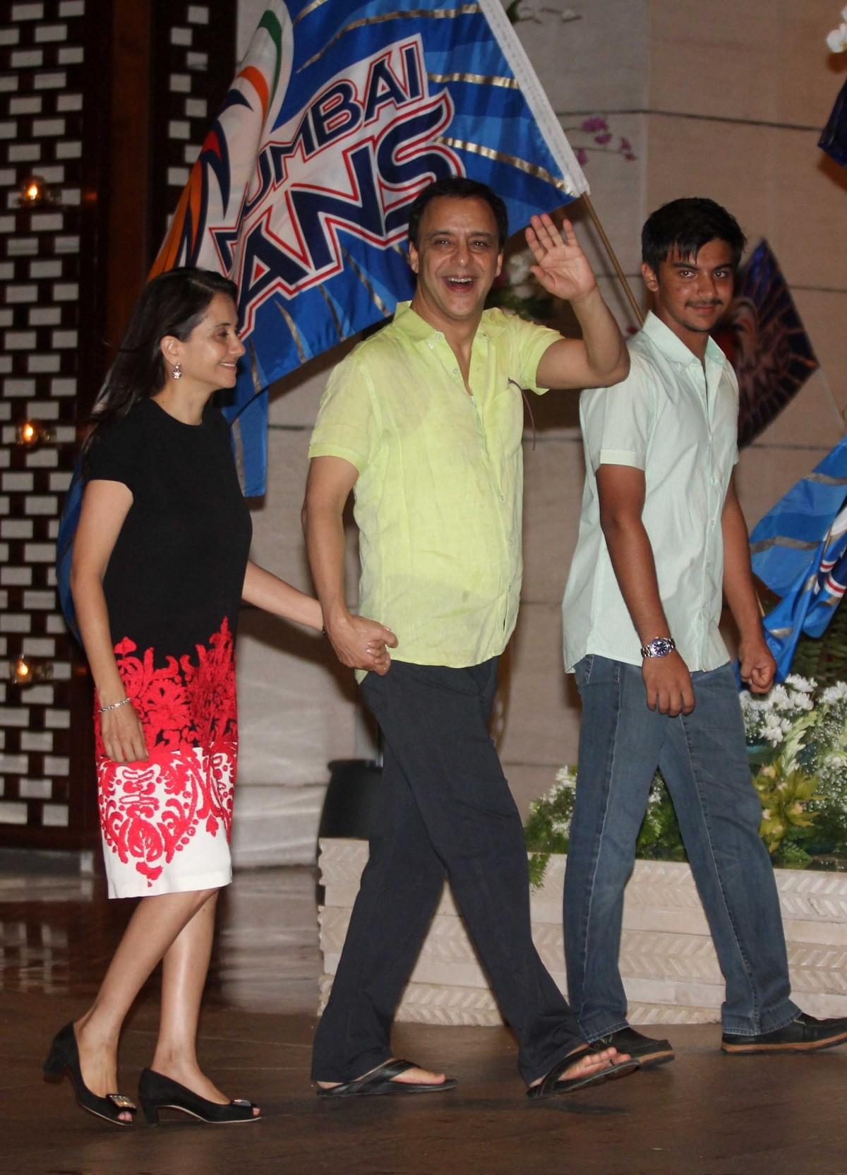 Aishwarya Rai, Abhishek Bachchan and Other B-Town Celebs Attend Ambani's Victory Bash for Mumbai Indians