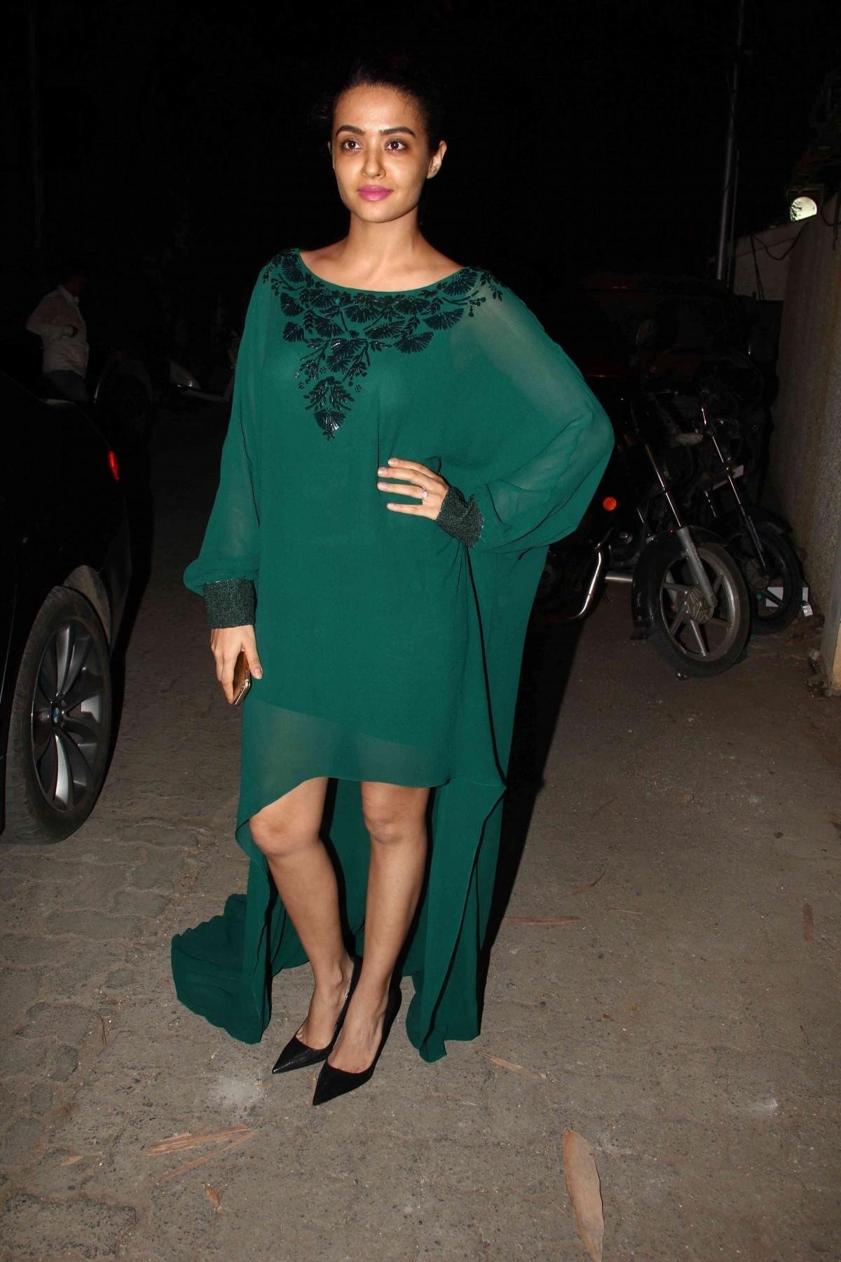 Surveen Chawla attends 'Tanu Weds Manu Returns' Success Bash