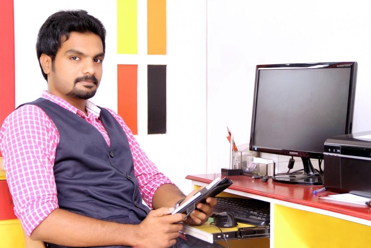 Paada Pusthakam app developer Moju Mohan