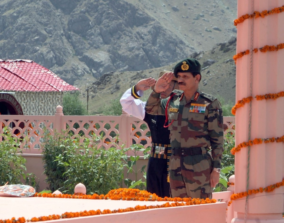 Army Chief Gen Dalbir Singh pays homage to martyrs of Operation Vijay at Kargil War Memorial at Drass.