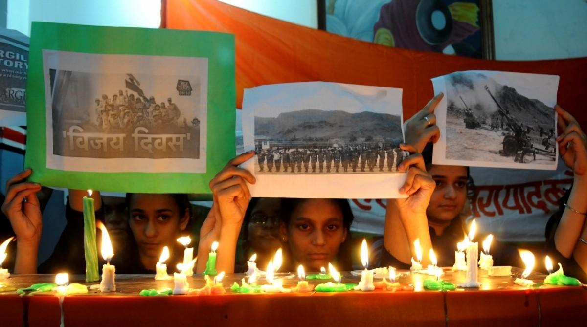 School students in Amritsar pay homage to Kargil war heroes.
