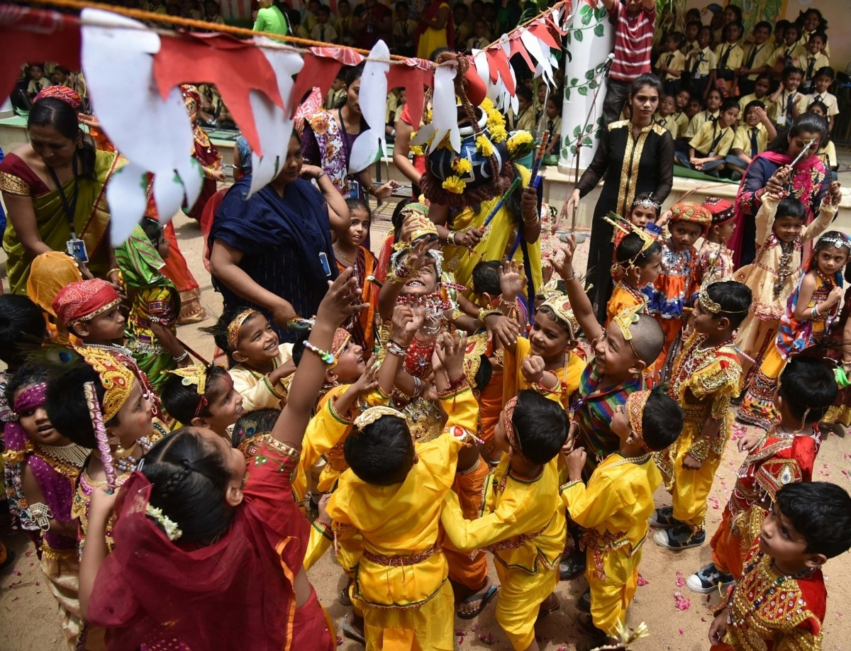 Many schools also arrange for the Dahi Handi festival for students to form human pyramids and break the pot of curd.