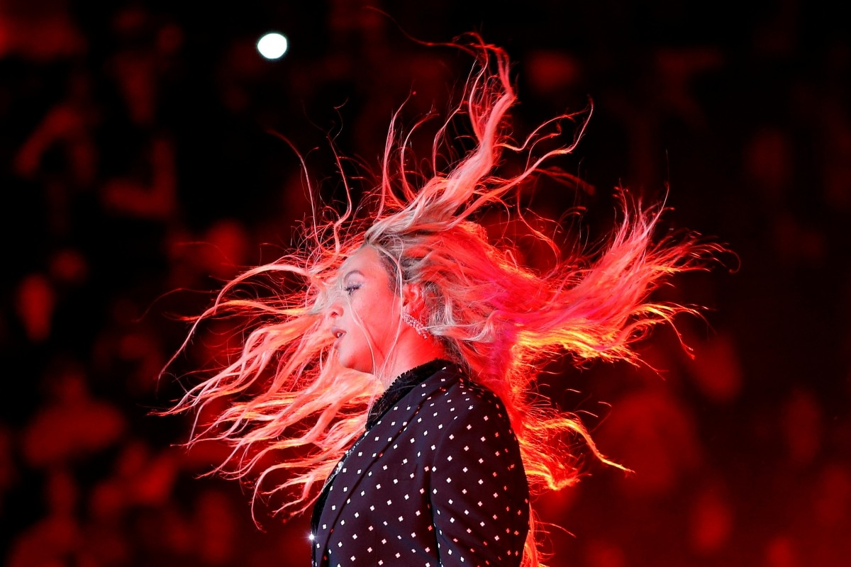 Beyonce performs at a campaign concert for U.S. Democratic presidential nominee Hillary Clinton in Cleveland, Ohio, U.S. November 4, 2016.