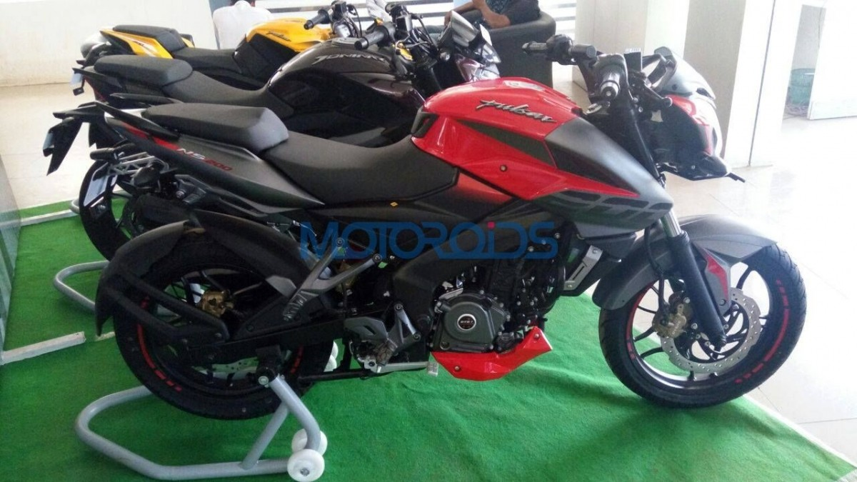 2017 Bajaj Pulsar 200NS reaches showrooms; misses out on ABS?