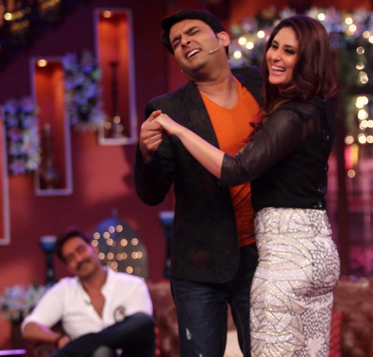 Kapil and Kareena dance on the show
