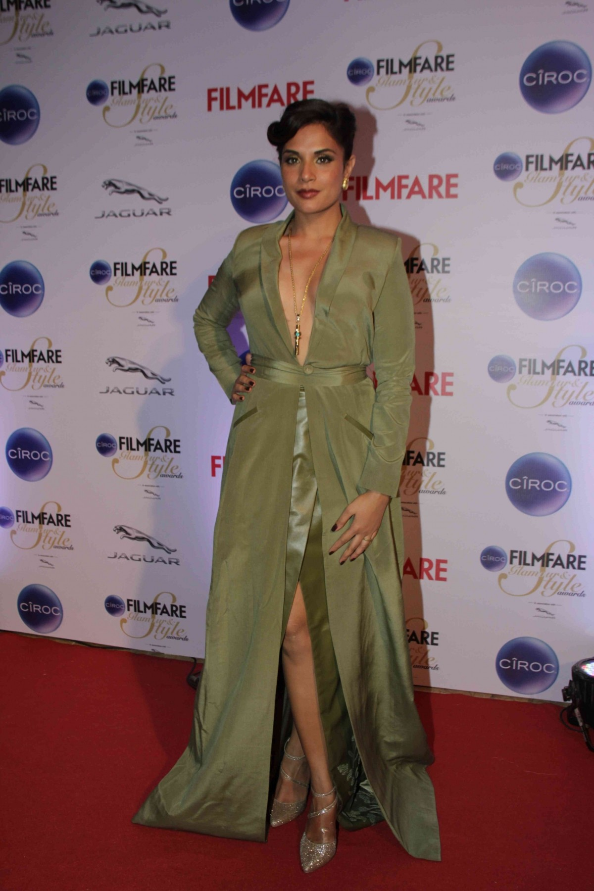 Kareena Kapoor Khan, Jacqueline Fernandez, Alia Bhatt and Other Best Dressed Divas at Filmfare Glamour And Style Awards 2015