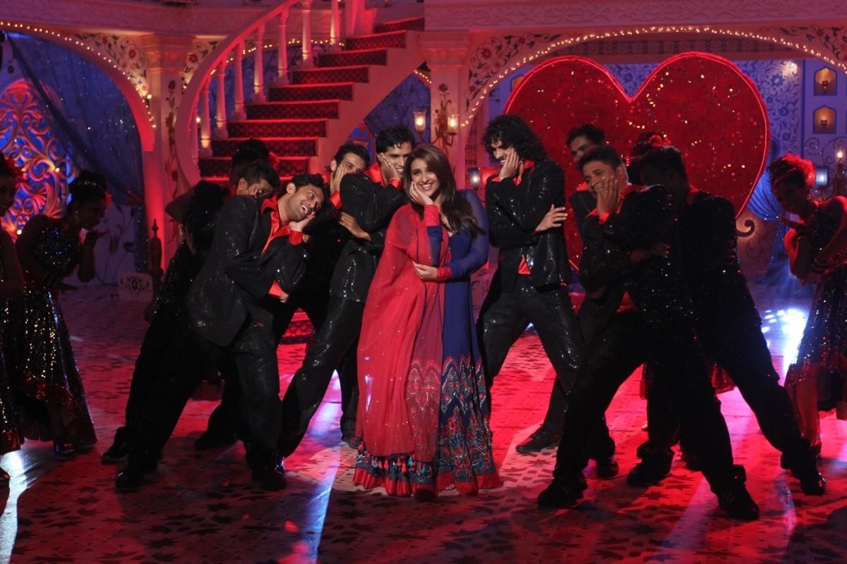 Parineeti Chopra on the sets of Zee TV's Dawaat-E-Eid