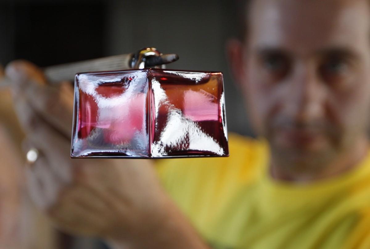 Glassblowing is as dangerous it s beautiful see photos