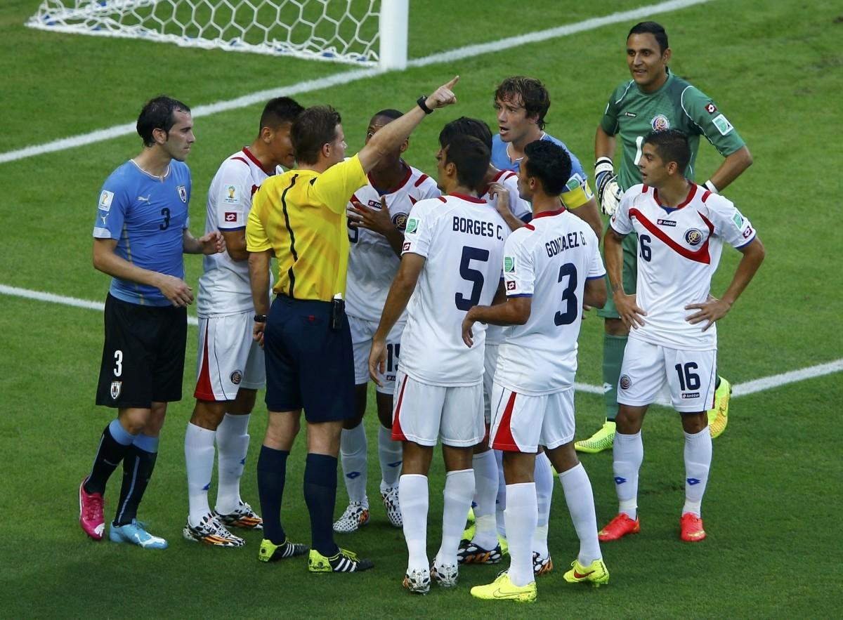 Uruguay v Costa Rica