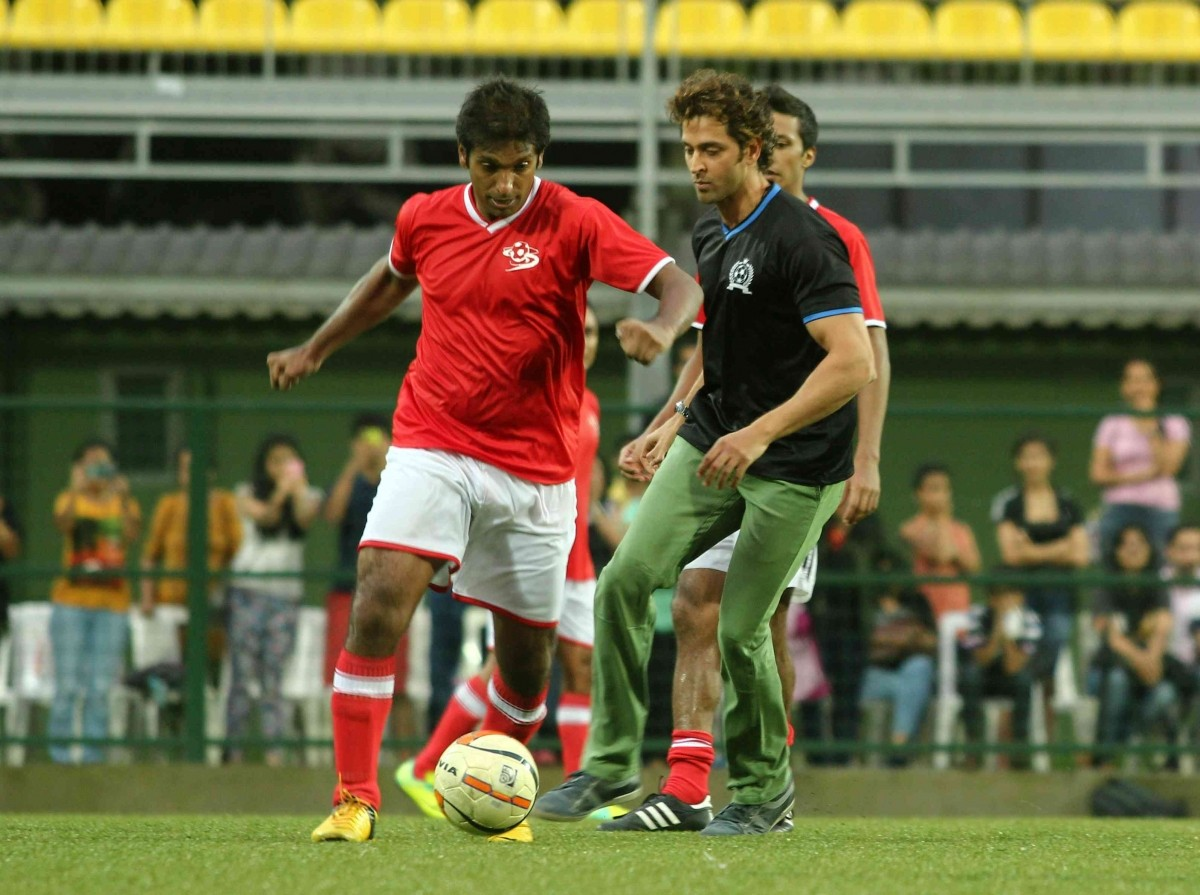 Hrithik Roshan spotted playing Celebrity Football Match