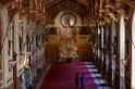 Queen Elizabeth trumps Melania's Christmas decor as Windsor Castle sets up gorgeous 20 ft tall fir tree [PHOTOS]