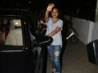 Bollywood actress Rani Mukerji looks cool in grey t-shirt and blue jeans as she snapped at Bandra.
