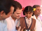 Congress President Rahul Gandhi along with Karnataka CM Siddaramaiah interacts with the fishermen community of Thenka Yermal.