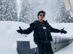 Shah Rukh Khan recreates signature pose in Davos