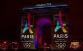 Paris illuminates Arc de Triomphe for big 2024 Olympic bid logo reveal