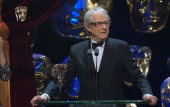 Baftas 2017: Ken Loach gives rousing speech against callous brutality of UK government