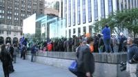 Apple fans queue for hours in New York for new iPhone 6