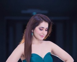 Check out the latest images of South Indian actress Raashi Khanna.