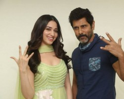 Telugu movie Sketch press meet held at Hyderabad. Celebs like Vikram, Tamannaah graced the event.