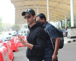 Hrithik Roshan snapped at Mumbai Airport.