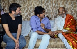 Pawan Kalyan and Trivikram Srinivas met and Congrtulated K Vishwanath.