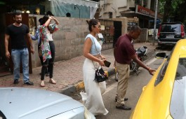 bollywood-actress-ileana-dcruz-spotted-indigo-cafe-bandra