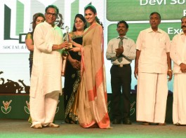 First Anniversary of National Sports Day - Amma awards 2016 held in Chennai. Celebs like Nayanthara, Director Atlee, Prasanna, Sneha, Nassar and others graced the event.