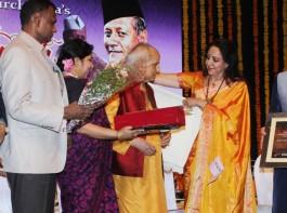 Photos of Hema Malini, Pandit Jasraj at Ustad Bismillah Khan centennial celebrations.