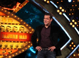 All pumped up to host the Bigg Boss- Weekend Ka Vaar episode, Salman takes a round-up of the previous week and asks about their experience. He turns to Lokesh and tells her that he loves the way she entertains everyone by speaking to the camera in the most unique and entertaining manner.